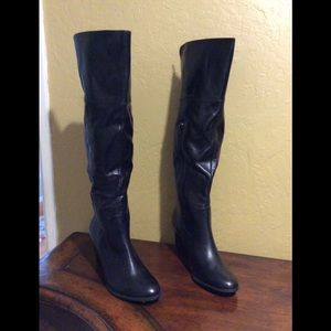 NWT Me Too  Over the  knee Leather Boots 11